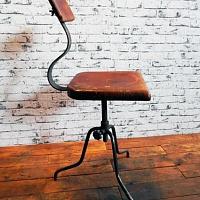 Industriální kancelářská židle. | Industriální dílenská židle
