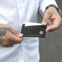 Kožený vizitkovník Nox Card Holder