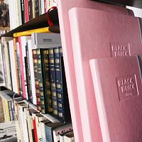 Diáře a zápisníky růžové | Diář 2018 světle růžový Black Brick