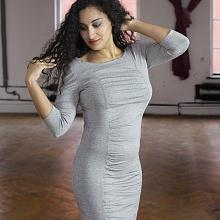 Šaty řasené šedé
