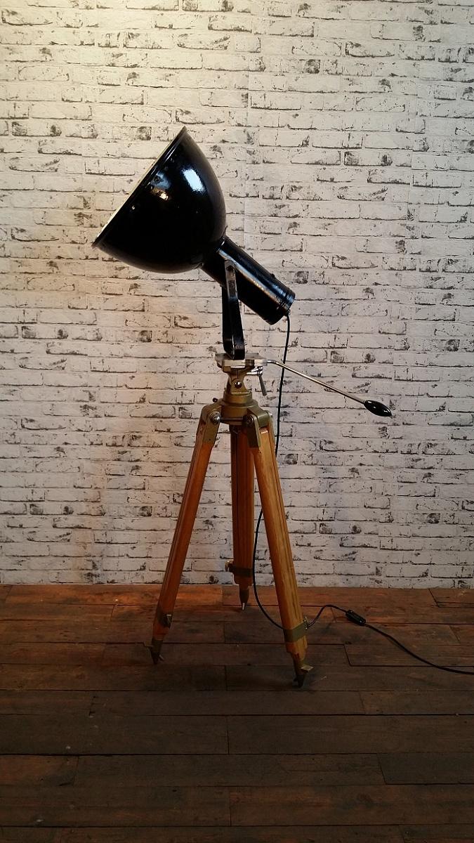Industriální smaltovaný reflektor na sta