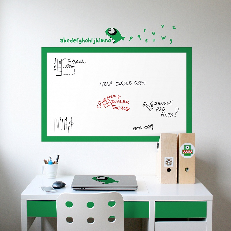 Bílá nalepovací tabule do chlapeckého pokoje | Bílá nalepovací tabule piraňa (t14)