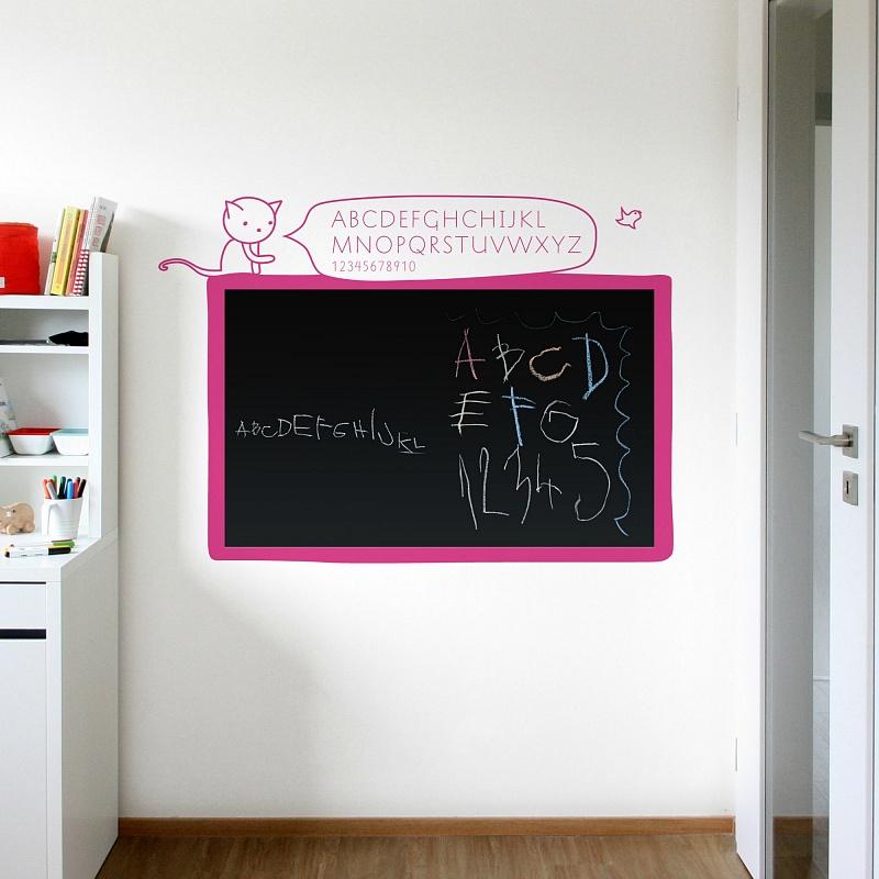 Černá samolepicí tabule na zeď s abecedou do dívčího pokoje   Černá nalepovací tabule kočka (t11)