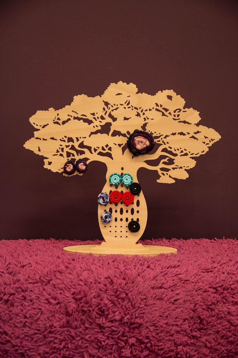 Stojan na šperky Baobab